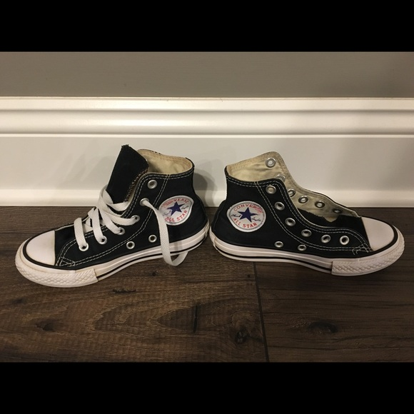 Converse Other - Girls converse size 11 ff745bcf7